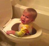 Life With Kids is Full of Surprises: 22 Hilarious Pictures of Kids Doing Their Thing