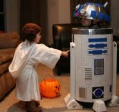 Super Cute R2-D2 and Princess Leia…