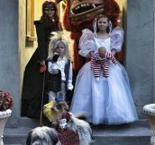 Amazing family Halloween costumes…