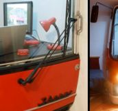 Bus Transformed into Home Office (8 Pics)