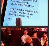 Helping an audience member reply to a text message…