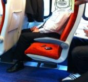 A GENIUS Way To Pass Time On A Long Train Commute…Brilliant!
