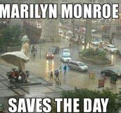 Multipurpose Marilyn Monroe Statue
