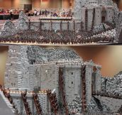 150,000 Piece LEGO Battle at Helm's Deep!