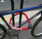 A Funny Collection Of Bike Locking Fails… (20 Pics)