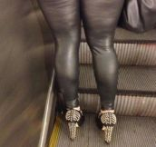 Only On The Subway… (22 Pics)