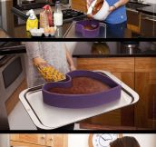 Clever Baking Pan With A Twist