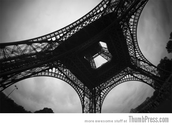 eiffel126 50 Pictures Capturing the Beauty of Eiffel Tower from Different Perspectives