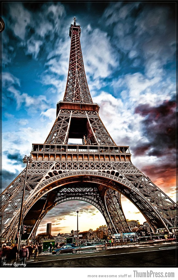 eiffel13 50 Pictures Capturing the Beauty of Eiffel Tower from Different Perspectives