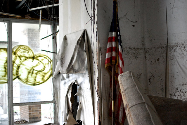 abandoned-us-flag