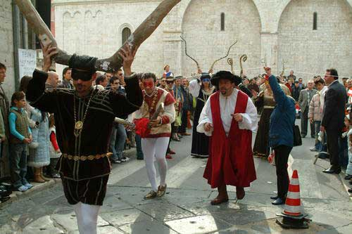 festa cornuto horn festival 10 Bizarre Festivals From Around the World