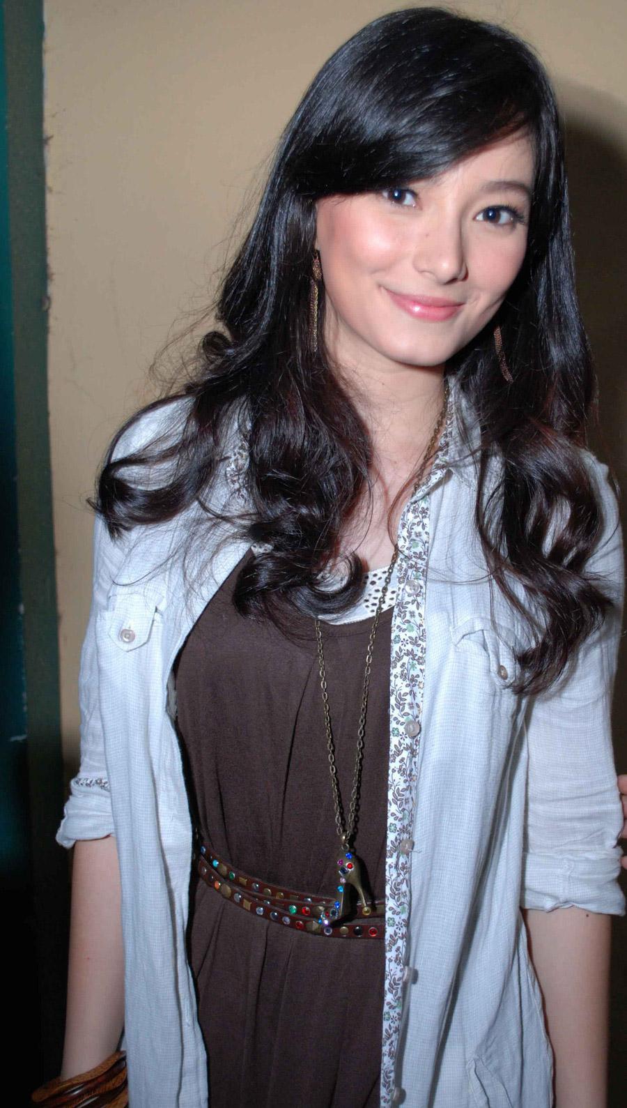 Asmirandah - Wallpaper Actress