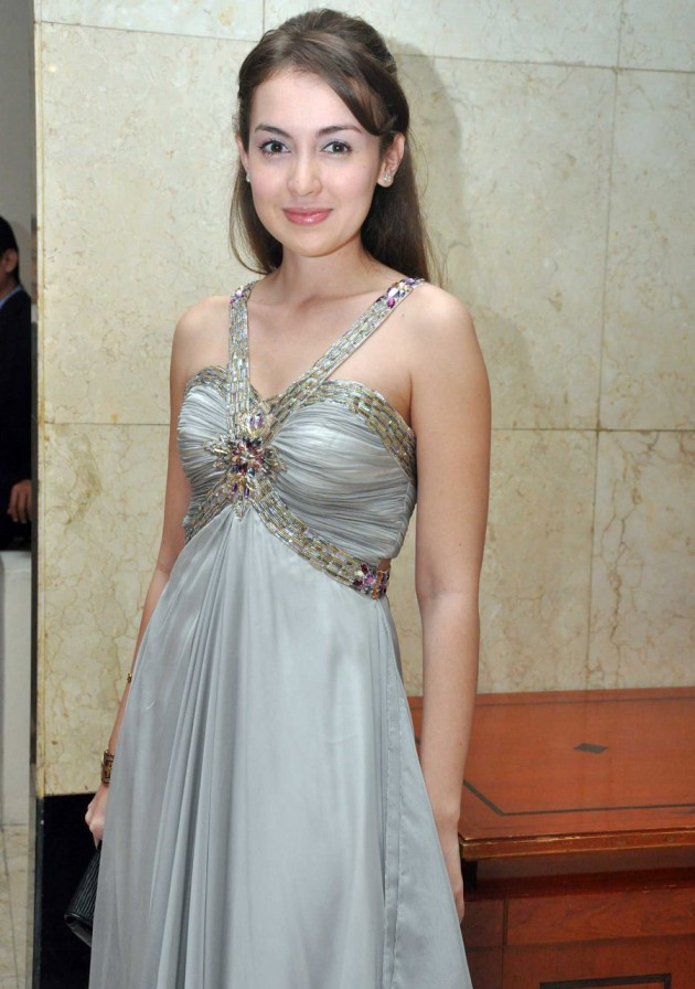 Rianti Cartwright 630x896 Top 26 Beautiful Indonesian Women in Media