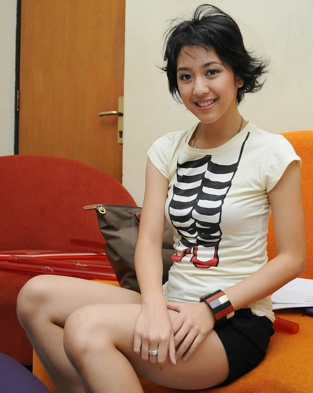 Sherina 630x791 Top 26 Beautiful Indonesian Women in Media