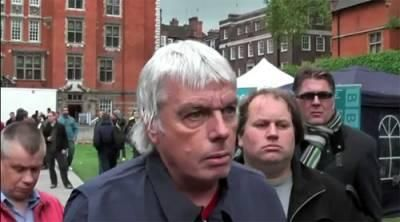 Professional Photobomber 11 Paul Yarrow: The Most Viewed Background Man on Television