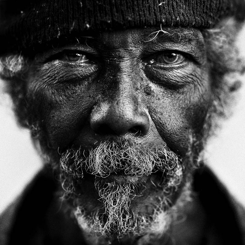 homeless black and white portraits lee jeffries 10 25 Incredibly Detailed Black And White Portraits of the Homeless by Lee Jeffries
