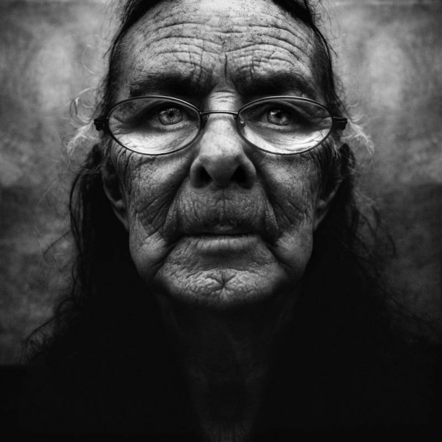 homeless-black-and-white-portraits-lee-jeffries-21