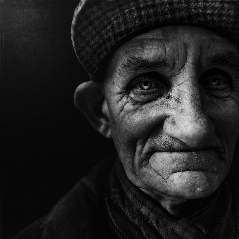 homeless black and white portraits lee jeffries 32 25 Incredibly Detailed Black And White Portraits of the Homeless by Lee Jeffries