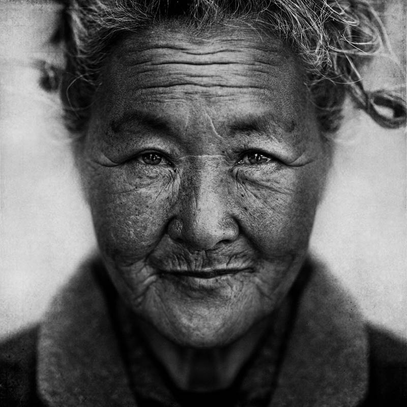 homeless black and white portraits lee jeffries 34 25 Incredibly Detailed Black And White Portraits of the Homeless by Lee Jeffries