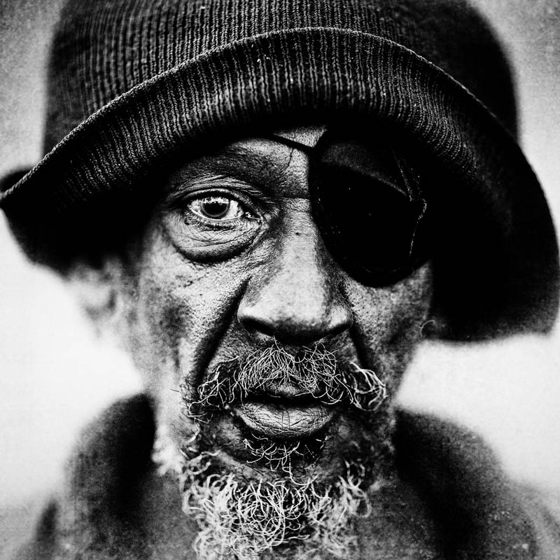 homeless black and white portraits lee jeffries 5 25 Incredibly Detailed Black And White Portraits of the Homeless by Lee Jeffries