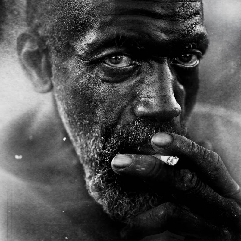 homeless black and white portraits lee jeffries 7 25 Incredibly Detailed Black And White Portraits of the Homeless by Lee Jeffries