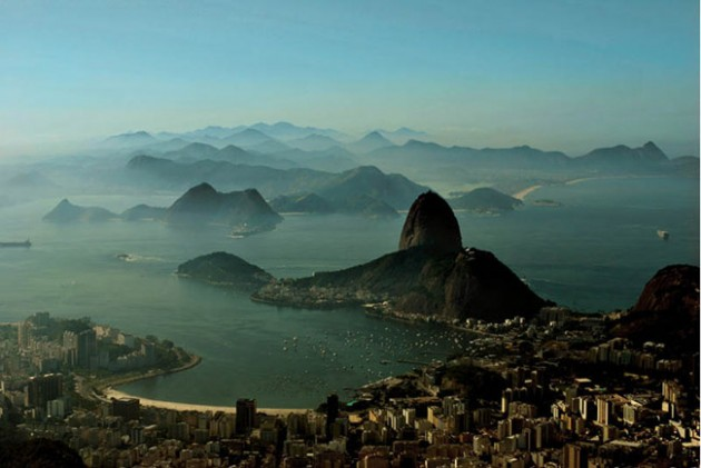 rio de janeiro brazil skyline aerial 630x421 25 Awesome Pictures Of Skylines From Around The World