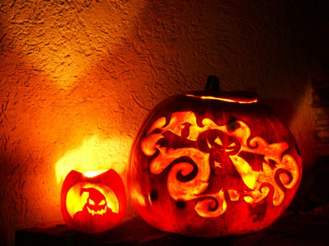 Halloween Pumpkin Carving Inspiration 20 640x480 30 Badass Pumpkin Carving Ideas for Halloween (Pics)
