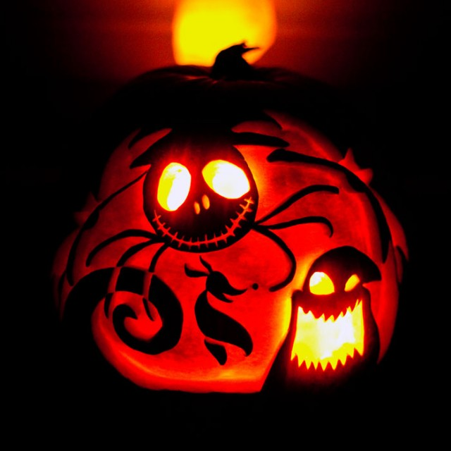 Halloween Pumpkin Carving Inspiration 21 640x640 30 Badass Pumpkin Carving Ideas for Halloween (Pics)