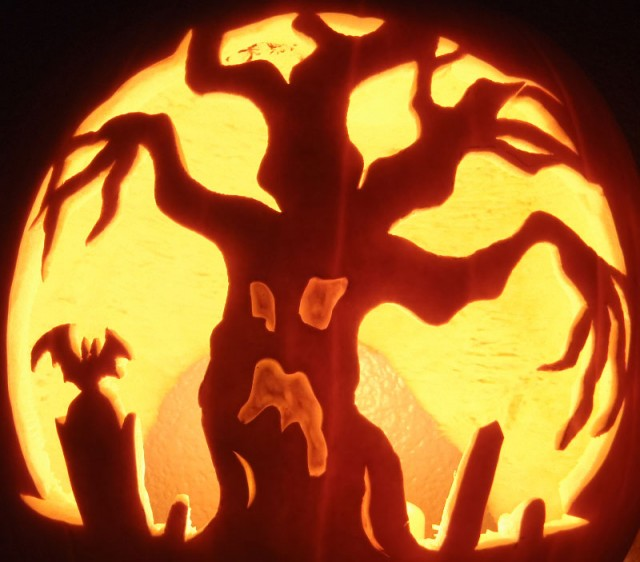 Halloween Pumpkin Carving Inspiration 23 640x562 30 Badass Pumpkin Carving Ideas for Halloween (Pics)