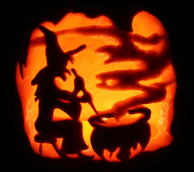 photo source - Cool Halloween Pumpkin Designs
