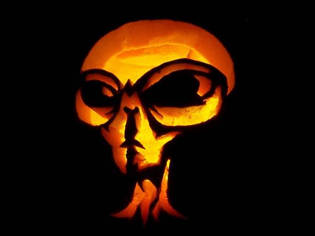 Halloween Pumpkin Carving Inspiration 3 640x480 30 Badass Pumpkin Carving Ideas for Halloween (Pics)