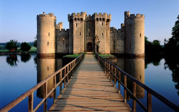 Bodiam Castle 630x393 20 Amazingly Beautiful Castles from Around the World
