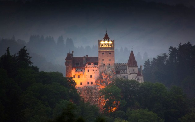 Bran Castle 630x393 20 Amazingly Beautiful Castles from Around the World