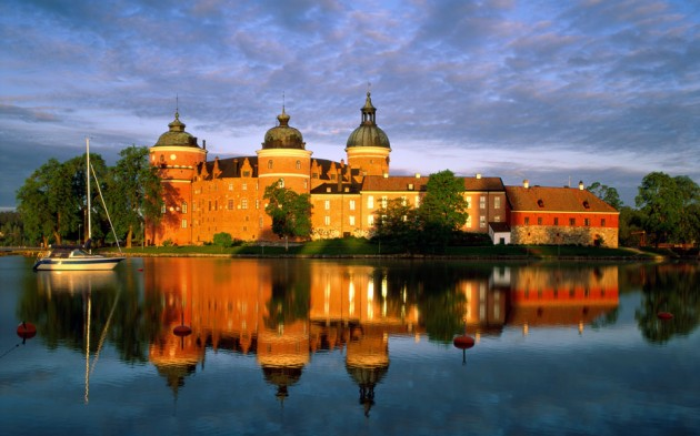 Gripsholm Castle 630x393 20 Amazingly Beautiful Castles from Around the World