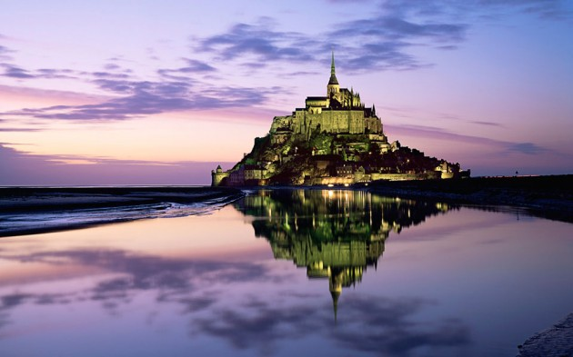 Le Mont Saint Michel 630x393 20 Amazingly Beautiful Castles from Around the World