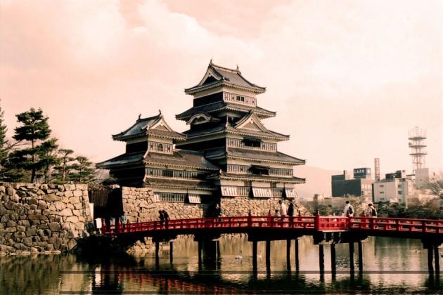 Matsumotojo Castle 630x420 20 Amazingly Beautiful Castles from Around the World