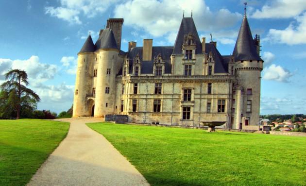 Rochefoucauld Castle 630x383 20 Amazingly Beautiful Castles from Around the World