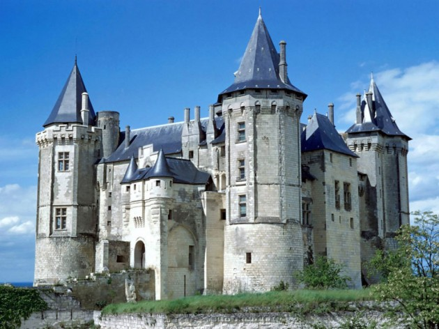 Saumur Castle 630x472 20 Amazingly Beautiful Castles from Around the World