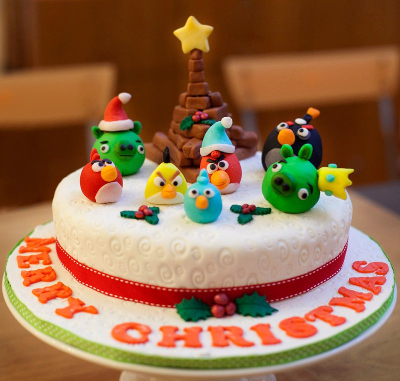 A Christmas Party for the Twins Awesome-Christmas-Cakes-03