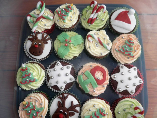 Awesome Christmas Cakes 15