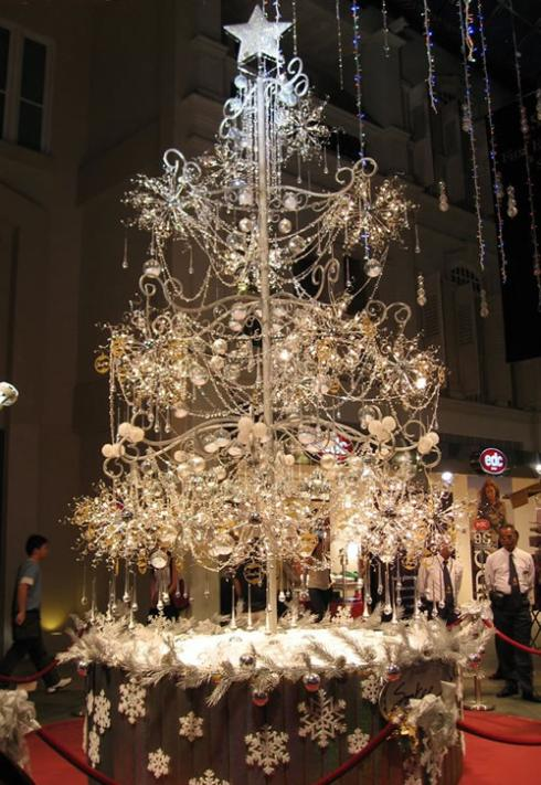 Jewellery christmas tree 20 Ideas that Help Get Creative with Your Christmas Tree