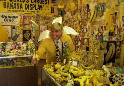 Wonder why this guy like bananas WTF Pic Dump   Photos in Extreme Need of Context