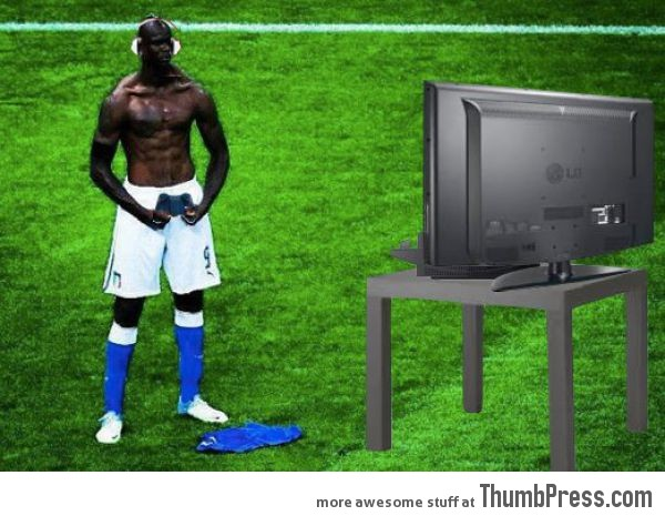 Mario Balotelli The Photoshop Version 6 Mario Balotelli   25 Of The Most Funniest Photoshops