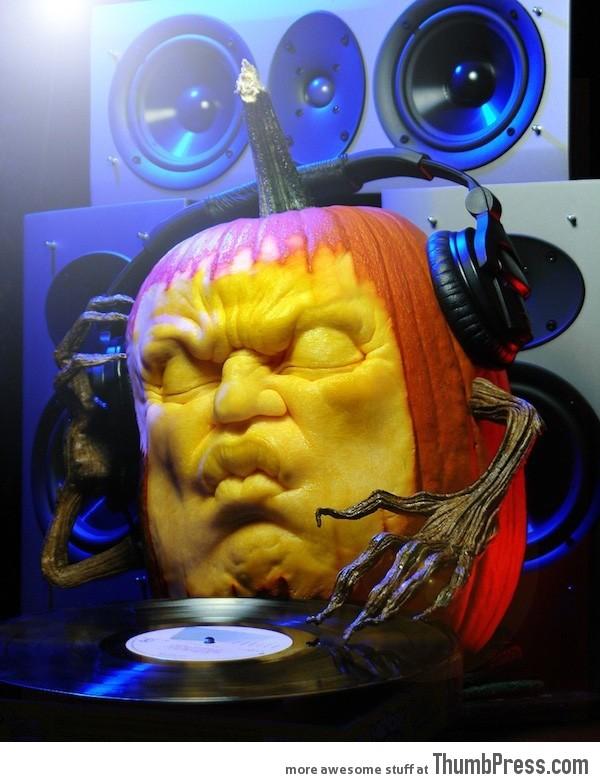 DJ Pump (A Record-Spinning 3D Carved Pumpkin Sculpture)