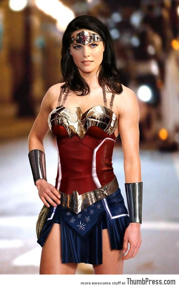 That's how you cosplay as Wonder Woman!
