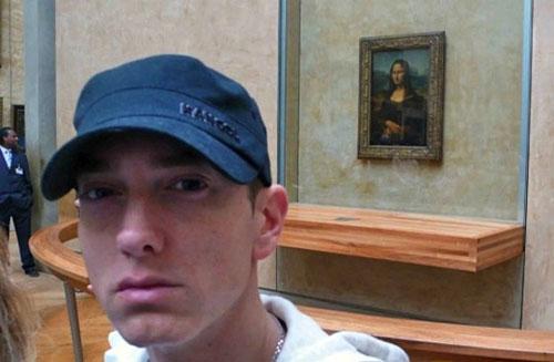 Epic Selfie — Eminem with Mona Lisa