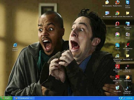 funny-Internet-Explorer-desktop-screaming