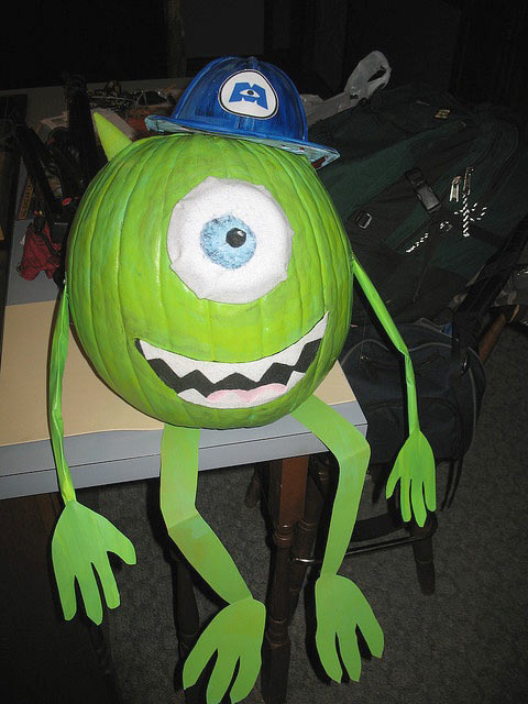 funny-Mike-Wazowski-pumpkin