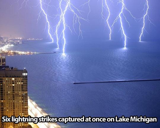 funny-bay-sea-lightning