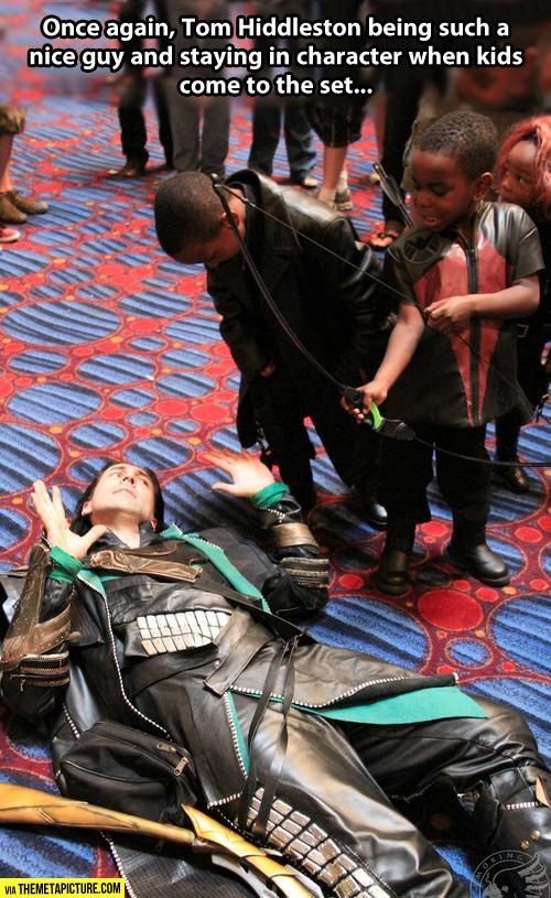 cool-Tom-Hiddleston-kids-playing